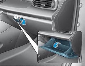 Lokalizacja filtru powietrza układu klimatyzacji Hyundai i30